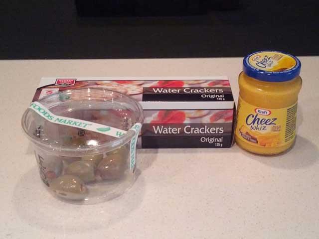 Happy-Cracker-Snack-Platter-Ingredients
